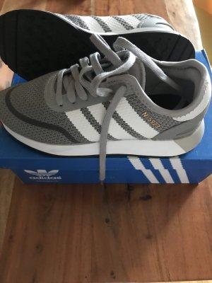 Adidas Sznurowane trampki szary