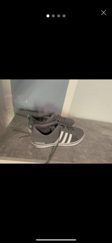 Adidas Schuhe grau
