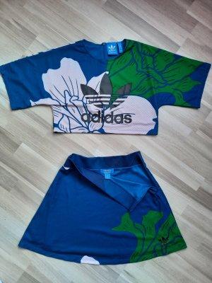 Adidas Podwójny zestaw z dżerseju niebieski