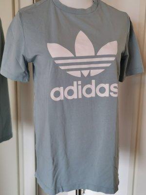 adidas Shirt Gr. 40 Rauchblau Hellblau Logo weiß