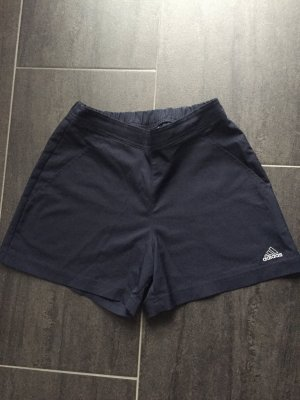 Adidas Shorts aus Mikrofaser