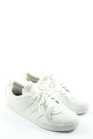 Adidas Chaussure skate blanc style décontracté