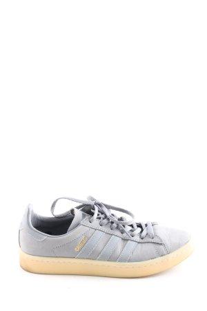 Adidas Zapatos de patinador gris claro look casual