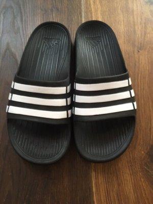 Adidas Slides Grösse 37