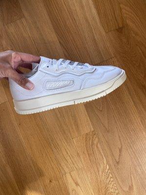 Adidas Sznurowane trampki biały Skóra