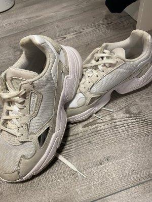 Adidas Sznurowane trampki jasnobeżowy-kremowy