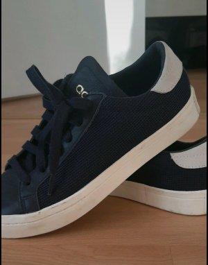 Adidas sneaker in dunkel blau