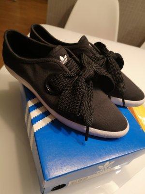 Adidas Sneaker low Gr. 40 neuwertig