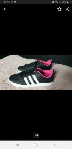 Adidas Originals Basket à lacet noir-rose