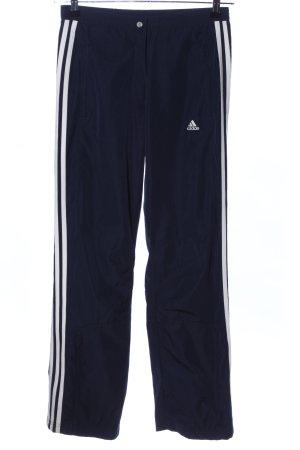 Adidas Trackies black-white casual look