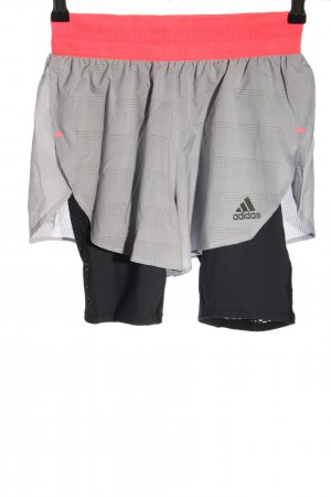 Adidas pantalonera multicolor look casual