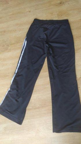 Adidas Sporthose schwarz mit Streifen Gr. M Gerne getragen
