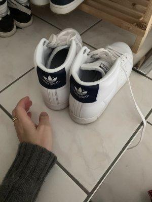 Adidas Basket montante blanc-bleu foncé