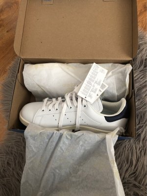 adidas stan smith Lace-Up Sneaker white-dark blue