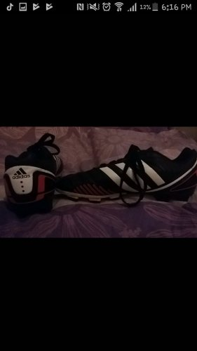 Adidas Stollen Schuhe