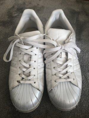 Adidas Superstar in weiß