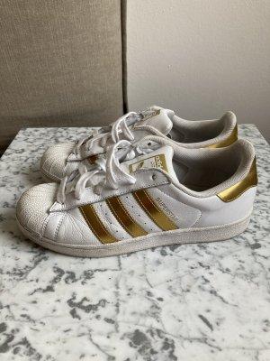 Adidas Superstar in weiß und gold, Gr. 39 1/3