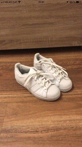 Adidas Superstars, Größe 36 2/3