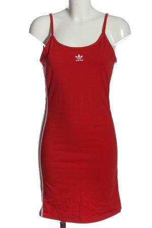 Adidas Vestido de tela de sudadera rojo look casual
