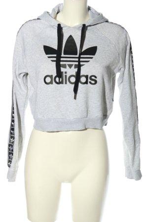 Adidas Suéter gris claro-negro estampado temático look casual