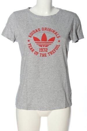 Adidas T-Shirt hellgrau-rot Schriftzug gedruckt Casual-Look