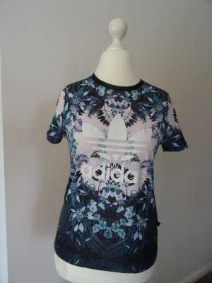 Adidas-T-shirt mit schönem Print