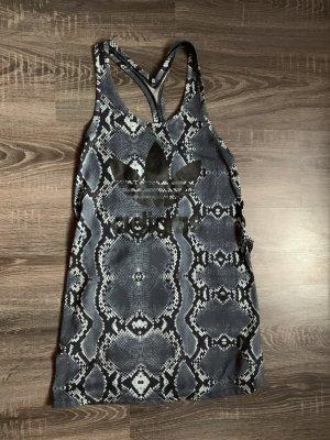 Adidas tanktop Sport blau Snake schlangenmuster Sommer Kleid