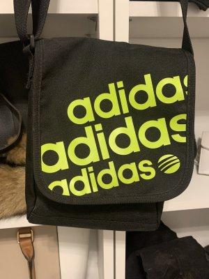 Adidas Sporttas zwart-weidegroen