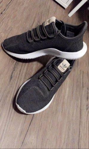 Adidas tubular shadow
