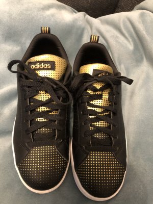 Adidas Turnschuhe 39 neu