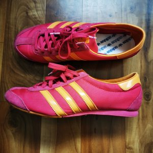 Adidas Lace-Up Sneaker raspberry-red