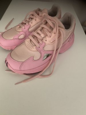 Adidas Turnschuhe in pink