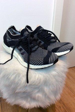 ADIDAS ULTRABOOST Sneaker Laufschuhe, fast neu, 40 2/3 wie 38,5-39, NP 180€