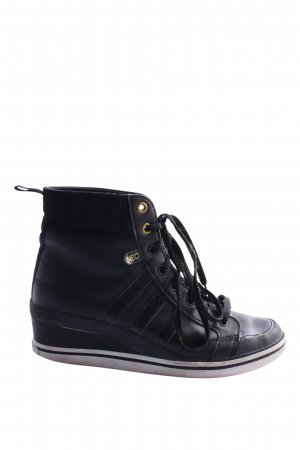 Adidas Wedge Sneaker black casual look