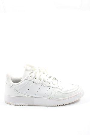 Adidas Zapatilla tipo cuña blanco look casual