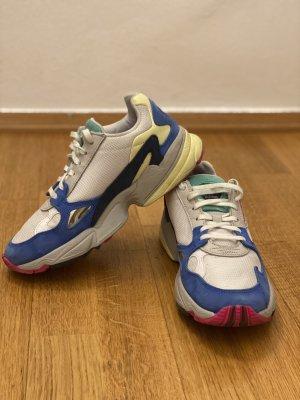 Adidas Zapatillas con tacón blanco