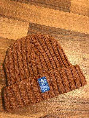 Adidas Sombrero de punto marrón-bermejo