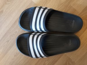 Adidas Botas de fieltro negro