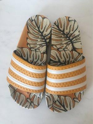 Adidas Sandały plażowe jasny pomarańczowy