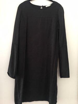 ADPT. Robe à manches longues noir