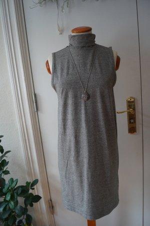 ADPT. Vestido a media pierna gris