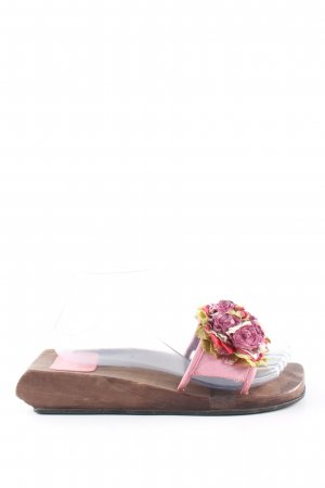 ae elegance Zuecos marrón-rosa look casual