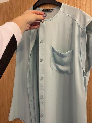 Ärmellose Bluse in hellblau