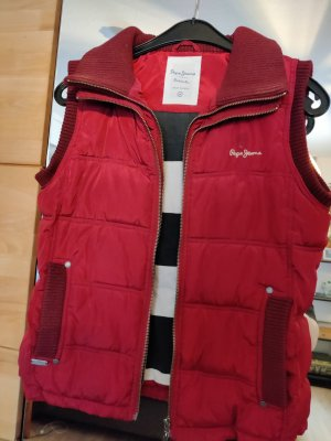 Pepe Jeans Quilted Gilet red
