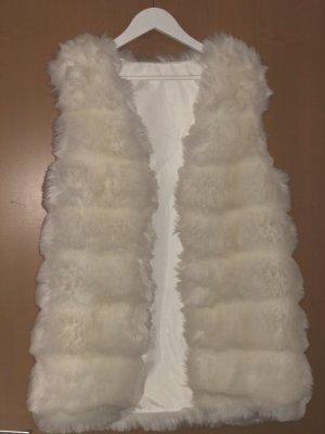 Ärmelloser weißer mantel
