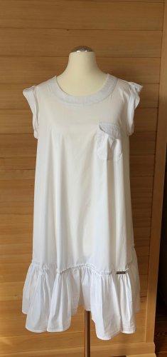 Ärmelloses ausgestelltes Kleid mit Saumrüsche