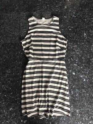 Ärmelloses Kleid
