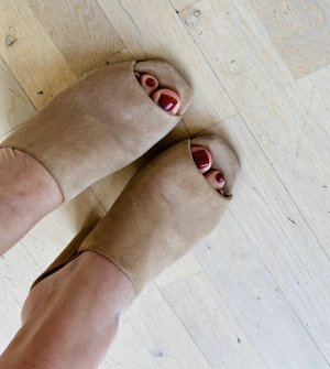 aeyde Platform High-Heeled Sandal cream suede