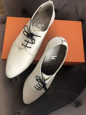 AGL Wingtip Shoes white-black leather