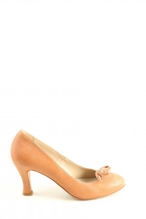 AGL Pointed Toe Pumps nude casual look